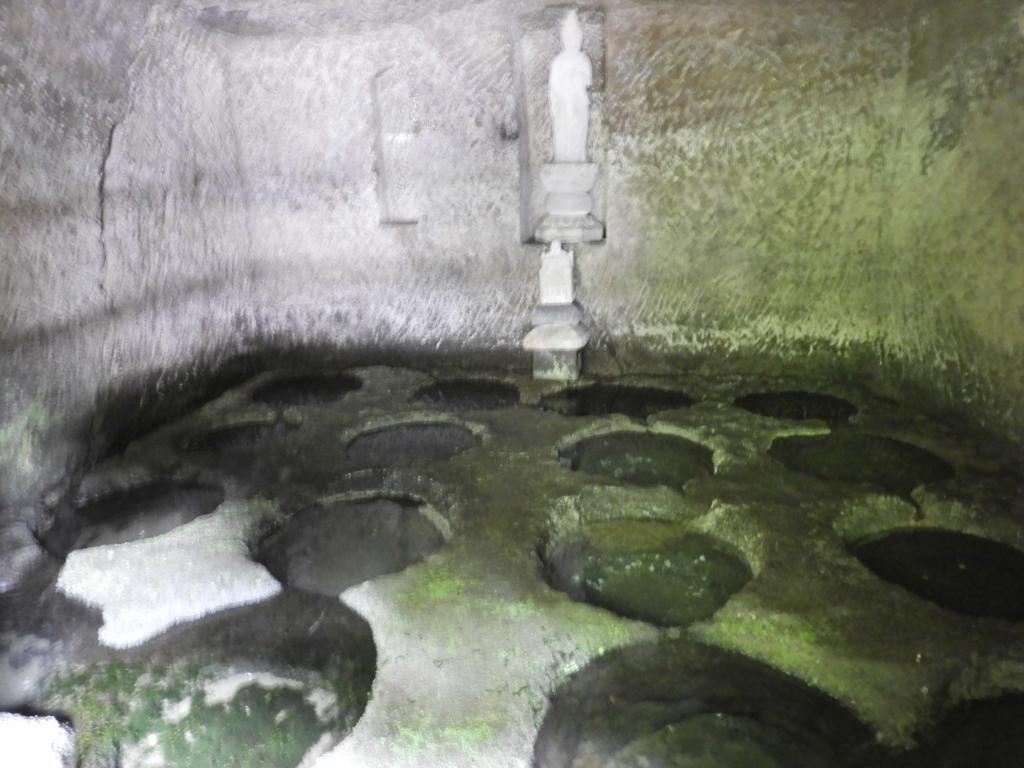 十六の井戸