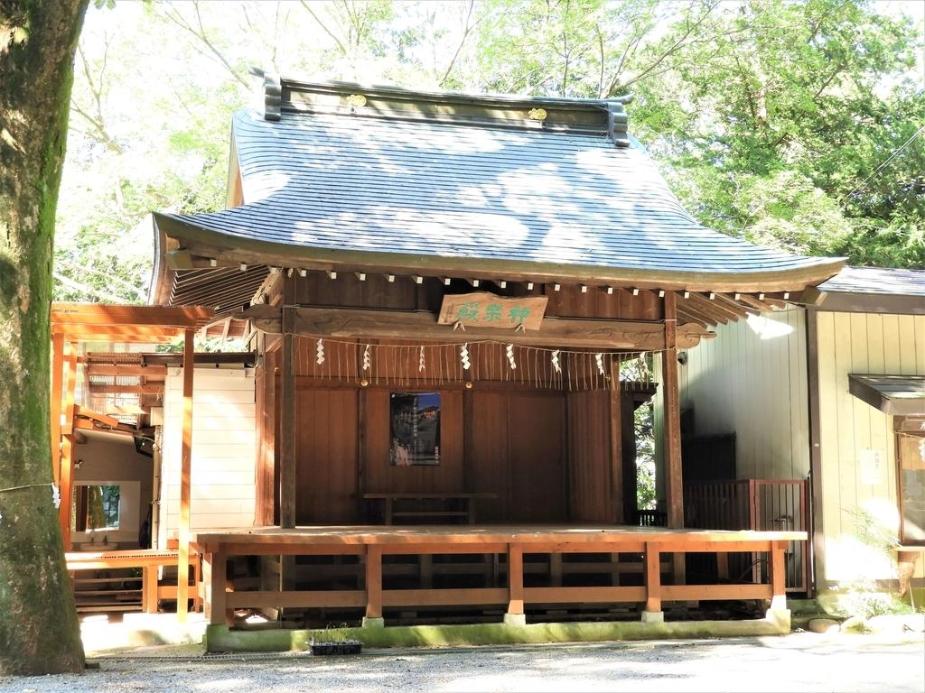 穴澤天神社の神楽殿