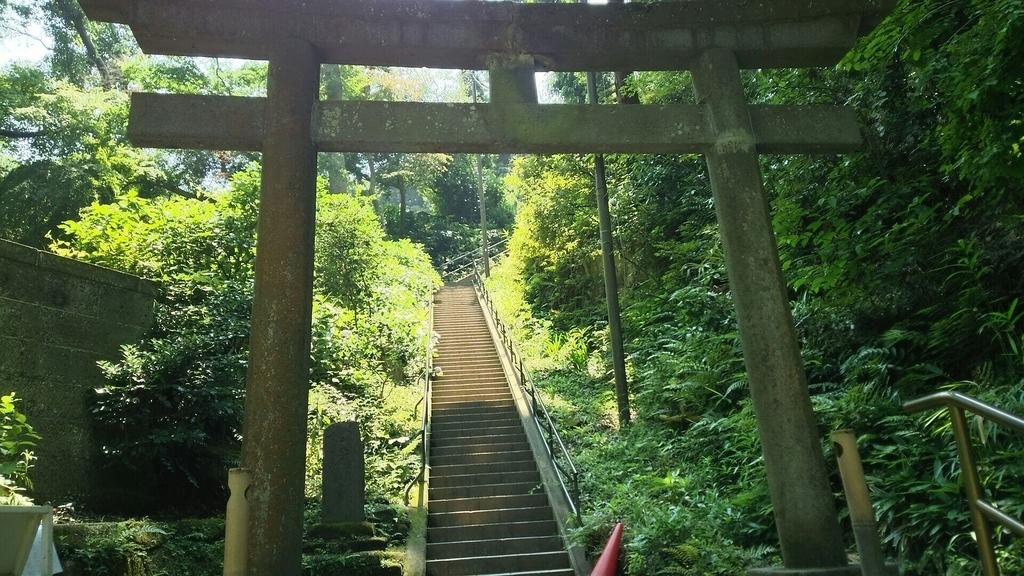 国宝「洪鐘」への階段