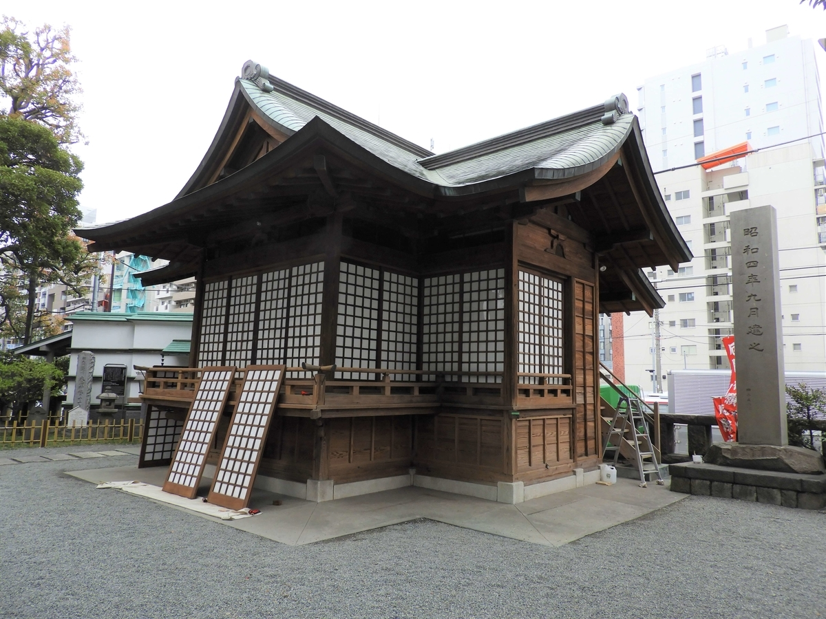 大鳥神社の神楽殿
