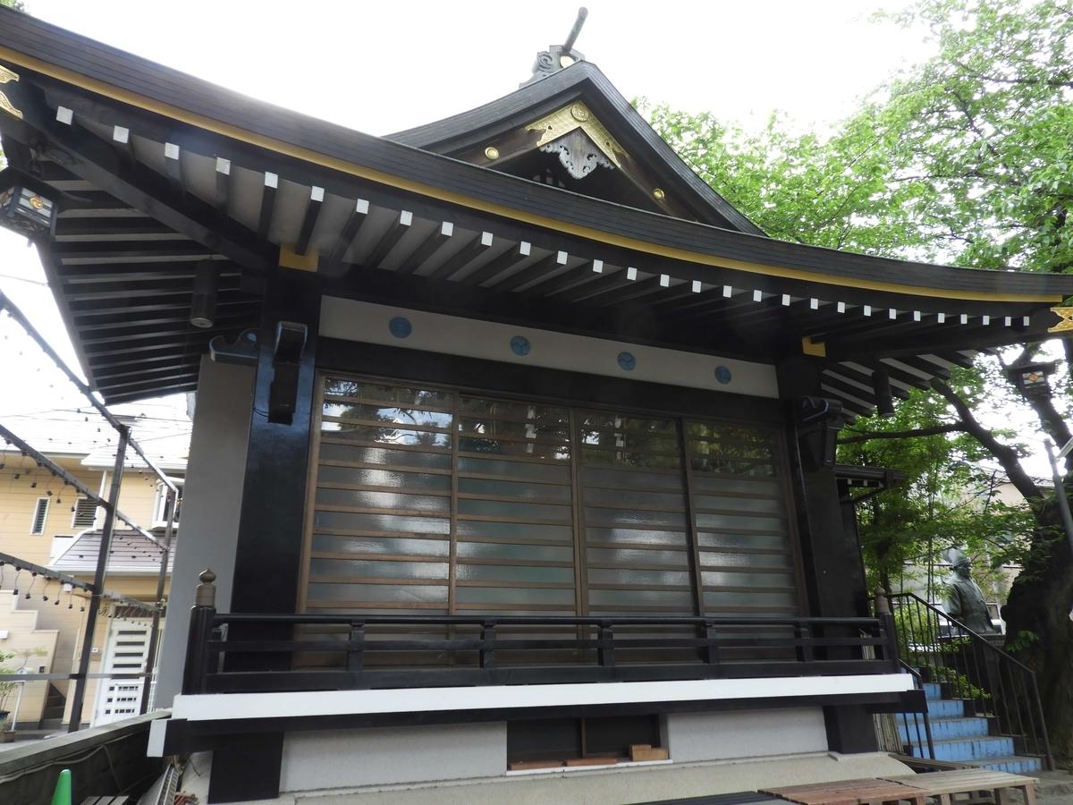 須賀神社の神楽殿