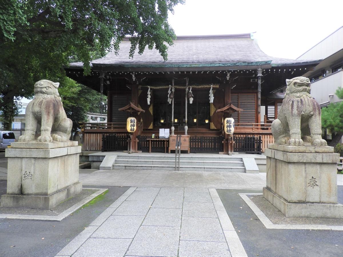 鎧神社の拝殿