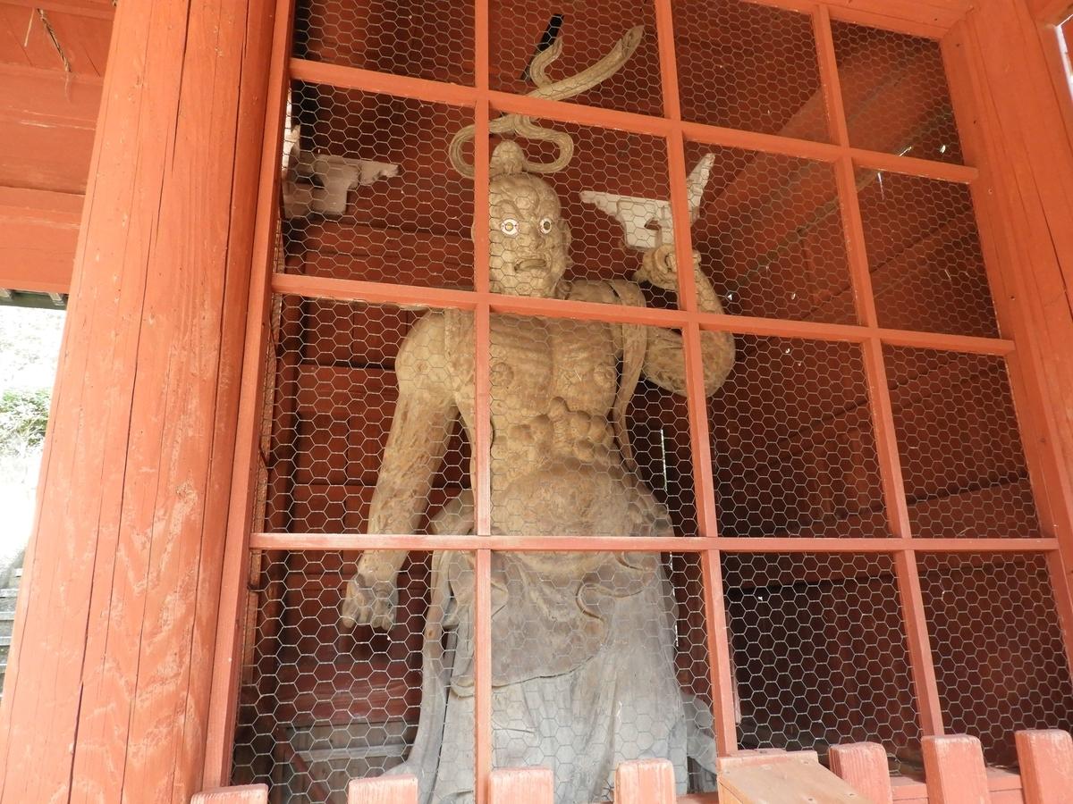仁王門の右手の金剛力士像
