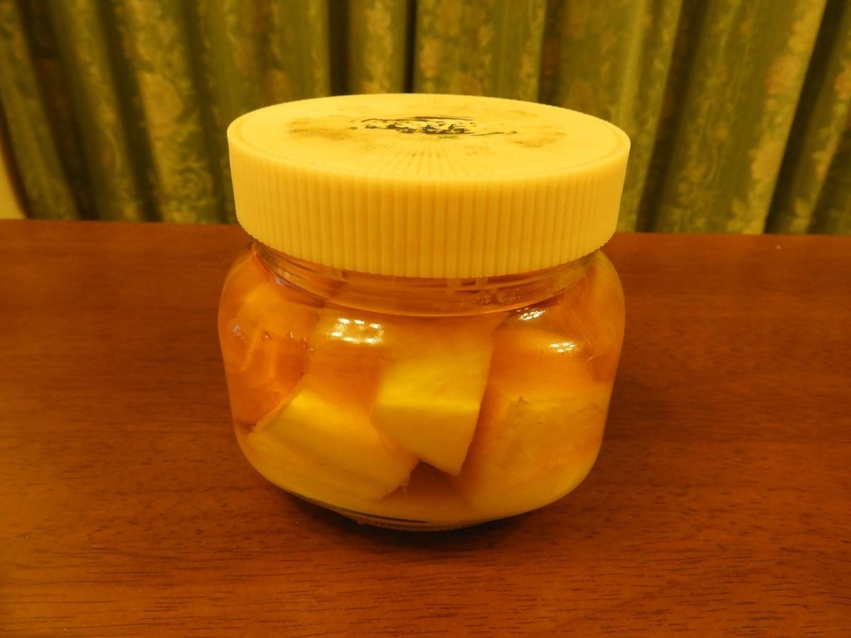 蓋をしたキムチの空き瓶