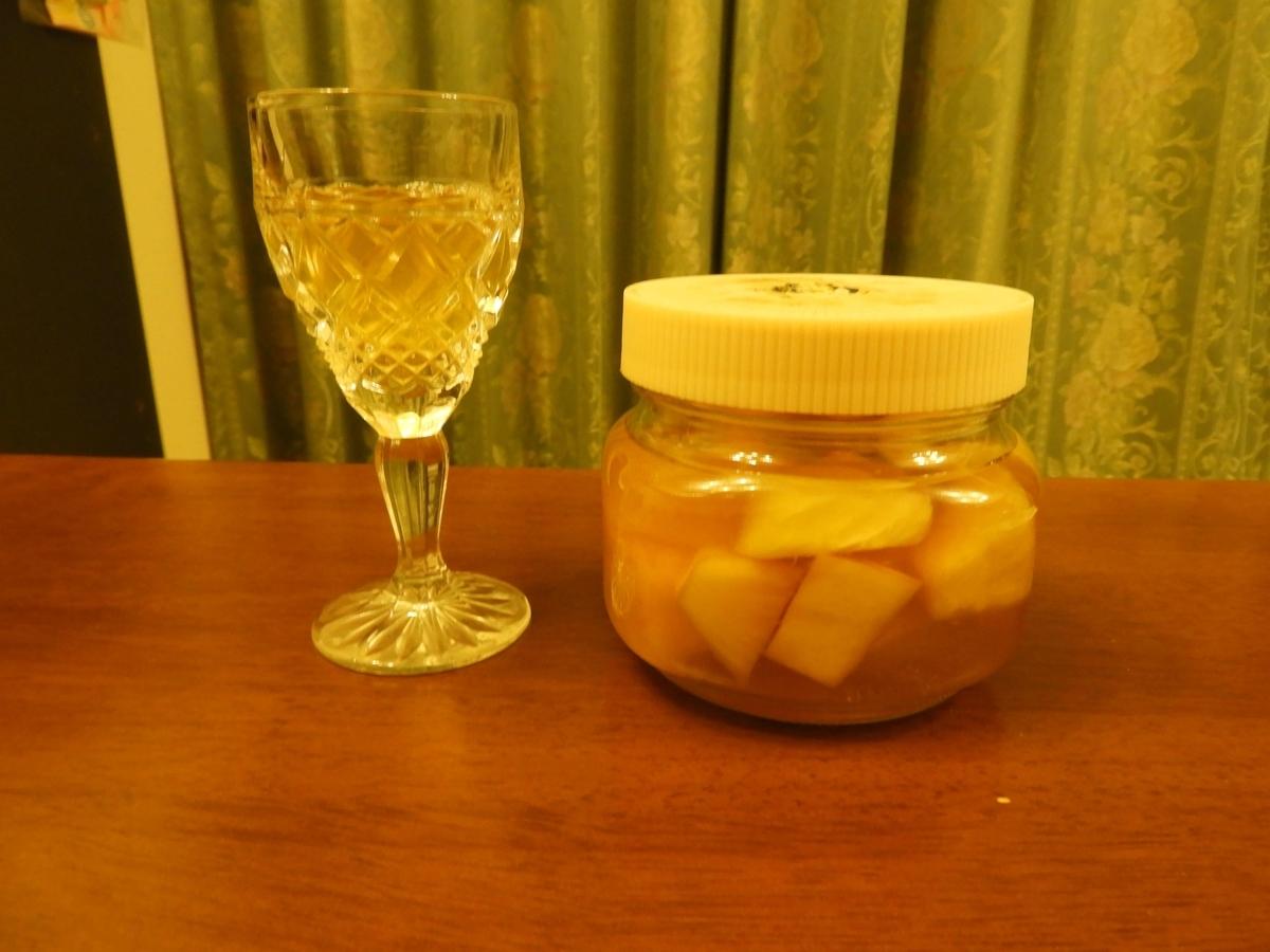 パイナップル漬け込みウィスキーのストレート