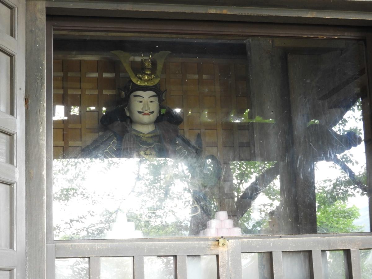 安置されている木像