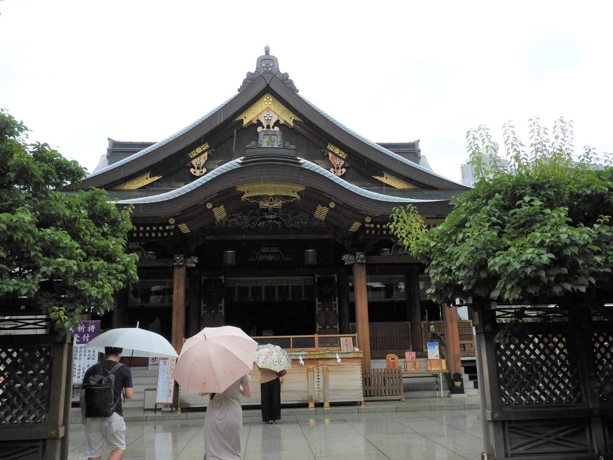 総檜造りの社殿