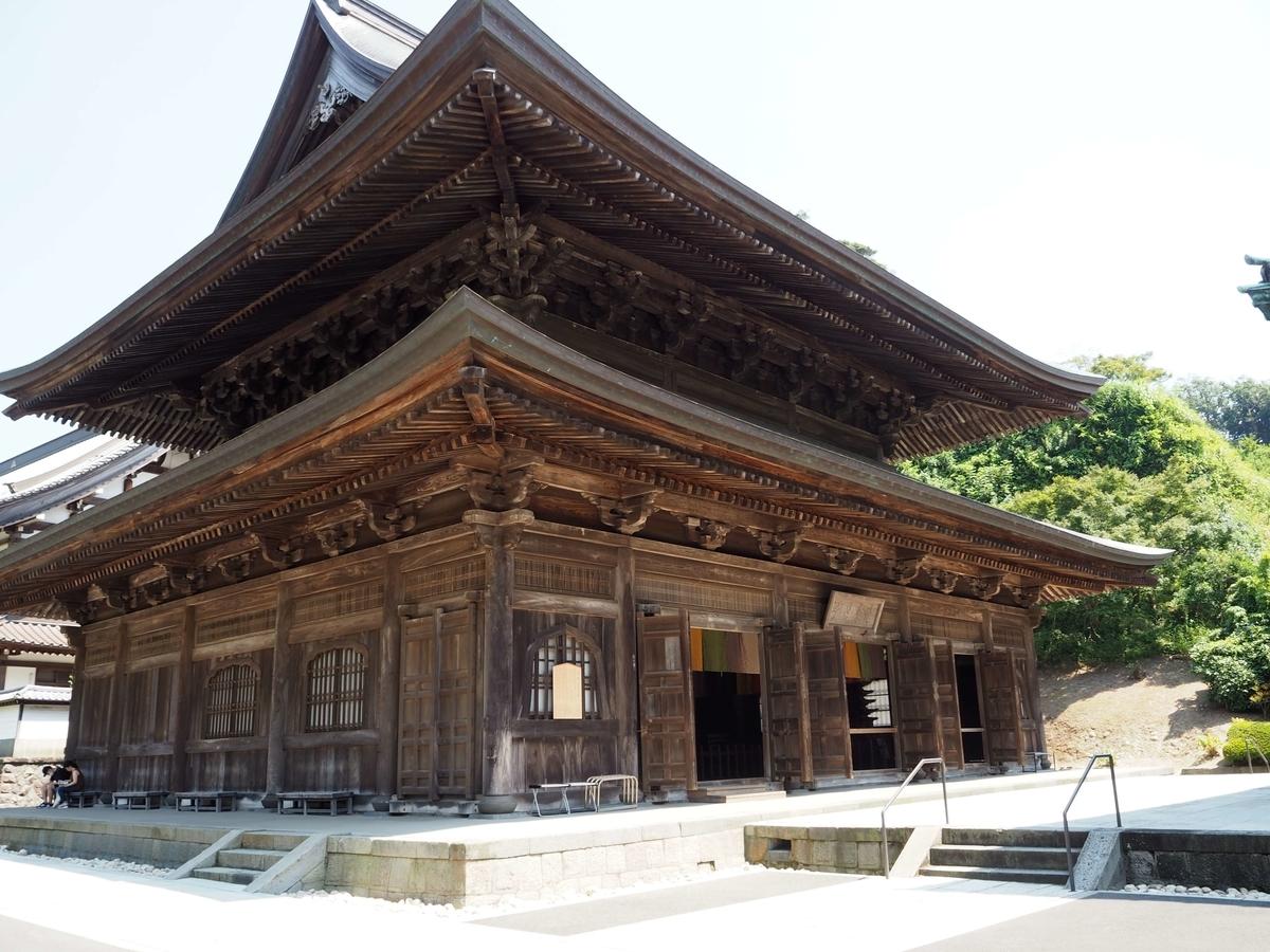 仏殿の奥にある建長寺の法堂