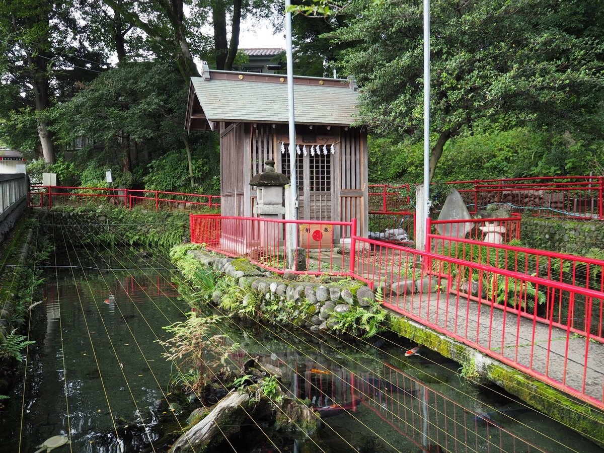 弁天池と厳島神社