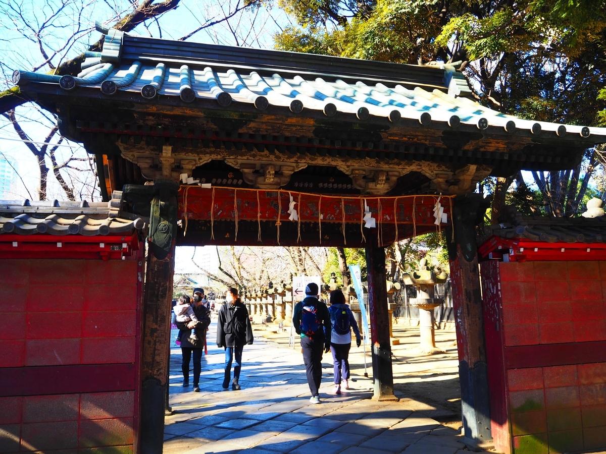 上野東照宮の山門である水舎門