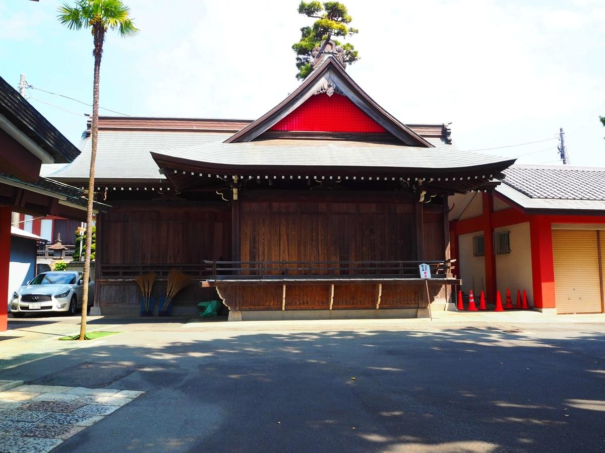 瀬田玉川神社の神楽殿