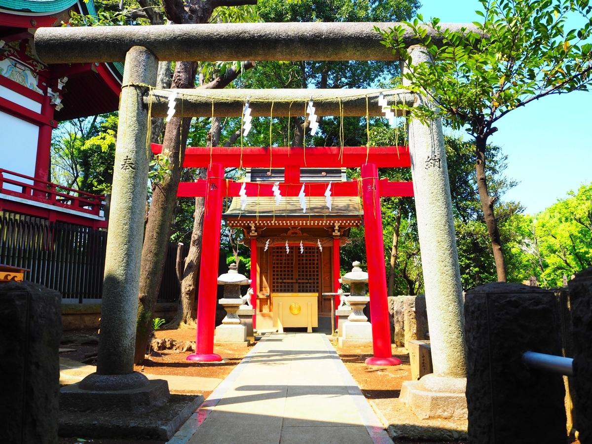 瀬田玉川神社の境内社である稲荷神社