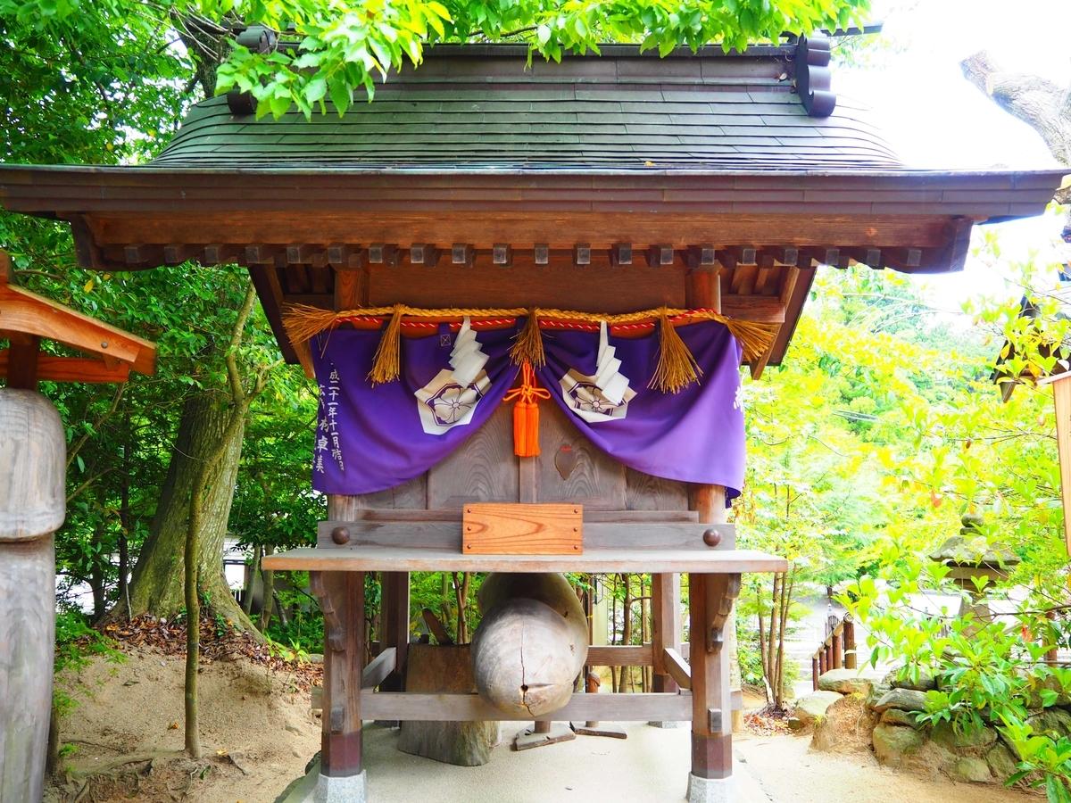 山神神社の社殿