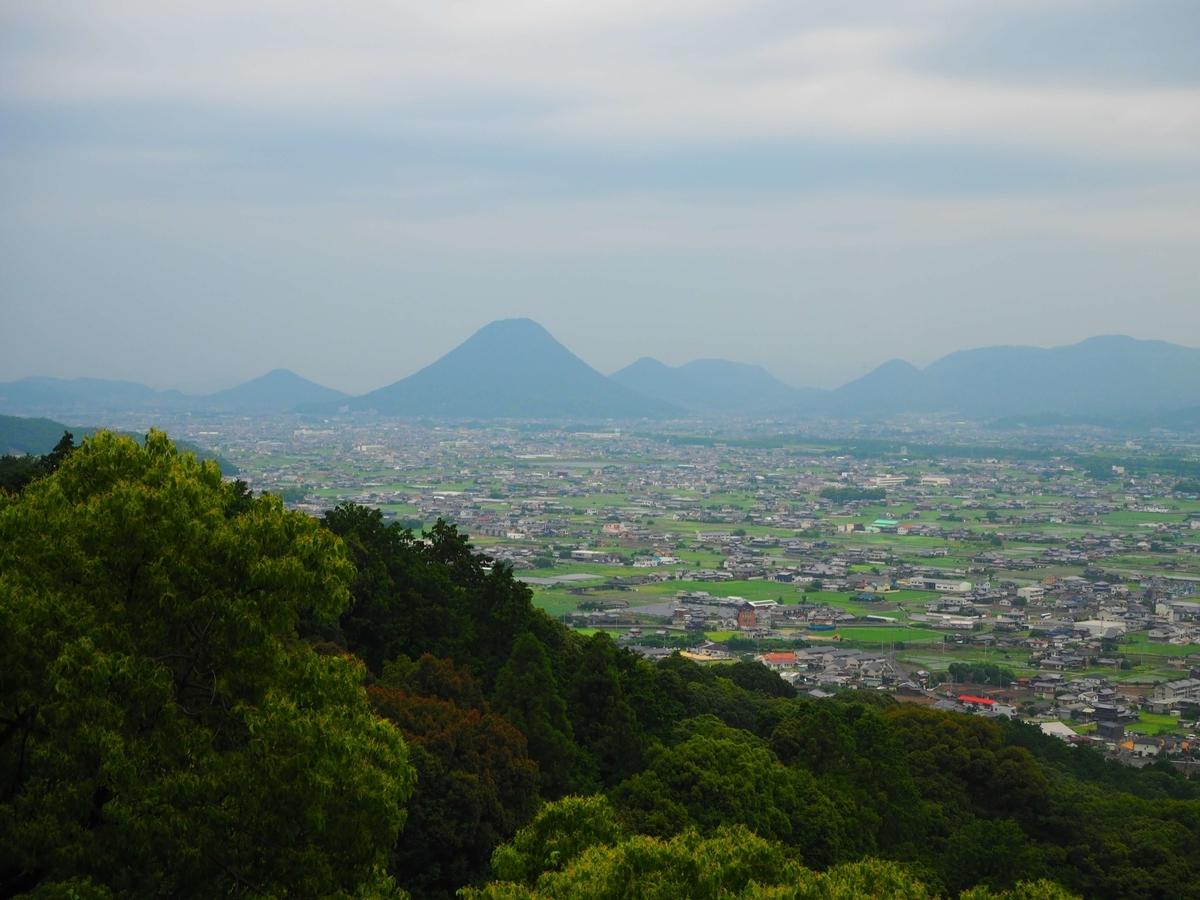 本宮から一望する香川平野