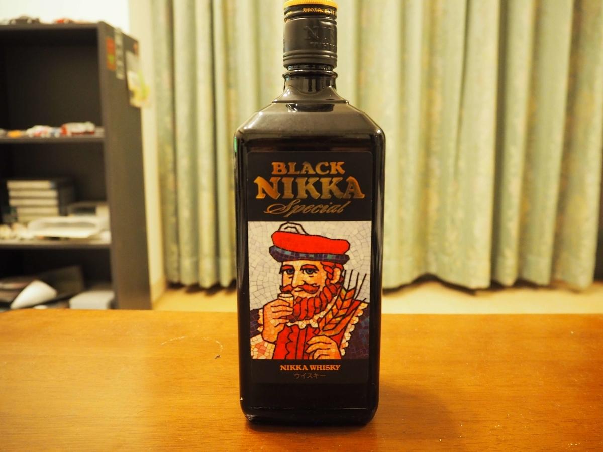 ブラックニッカスペシャルのボトル