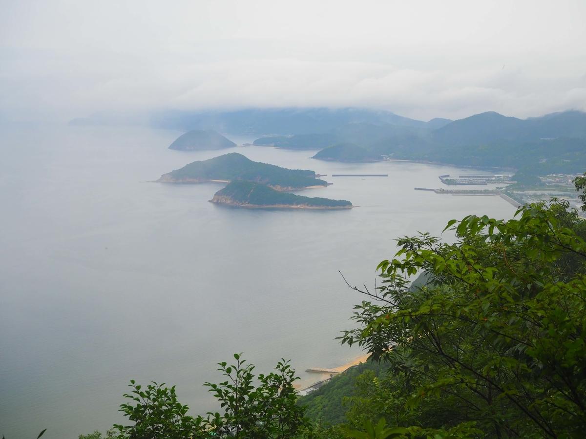 仁尾方面の展望台から望む瀬戸内海