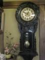 帳場の脇の古時計。