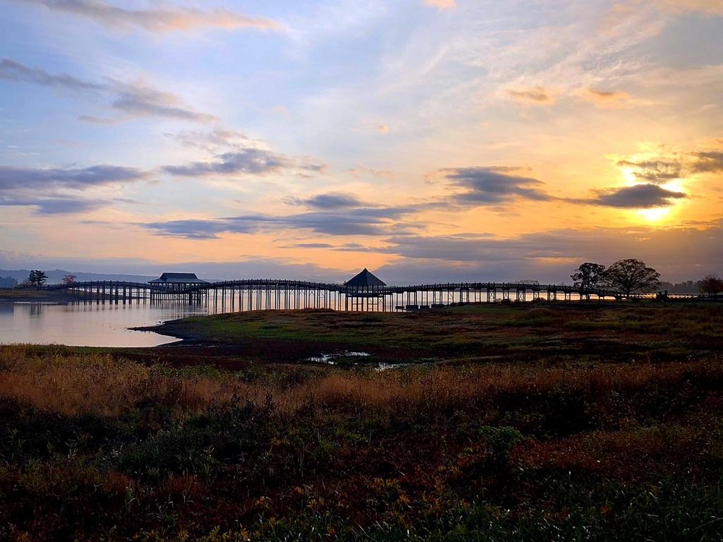 日の出 鶴の舞橋