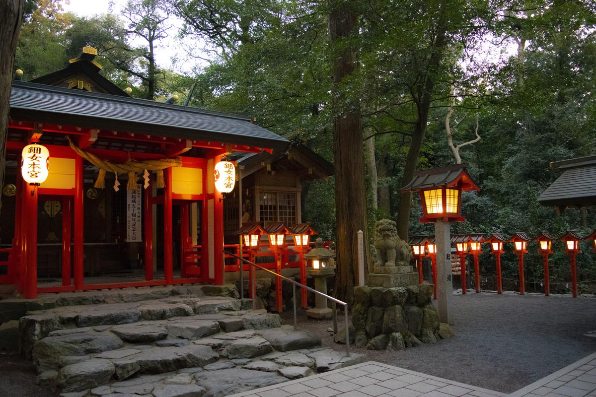 椿岸神社の周りも良い雰囲気