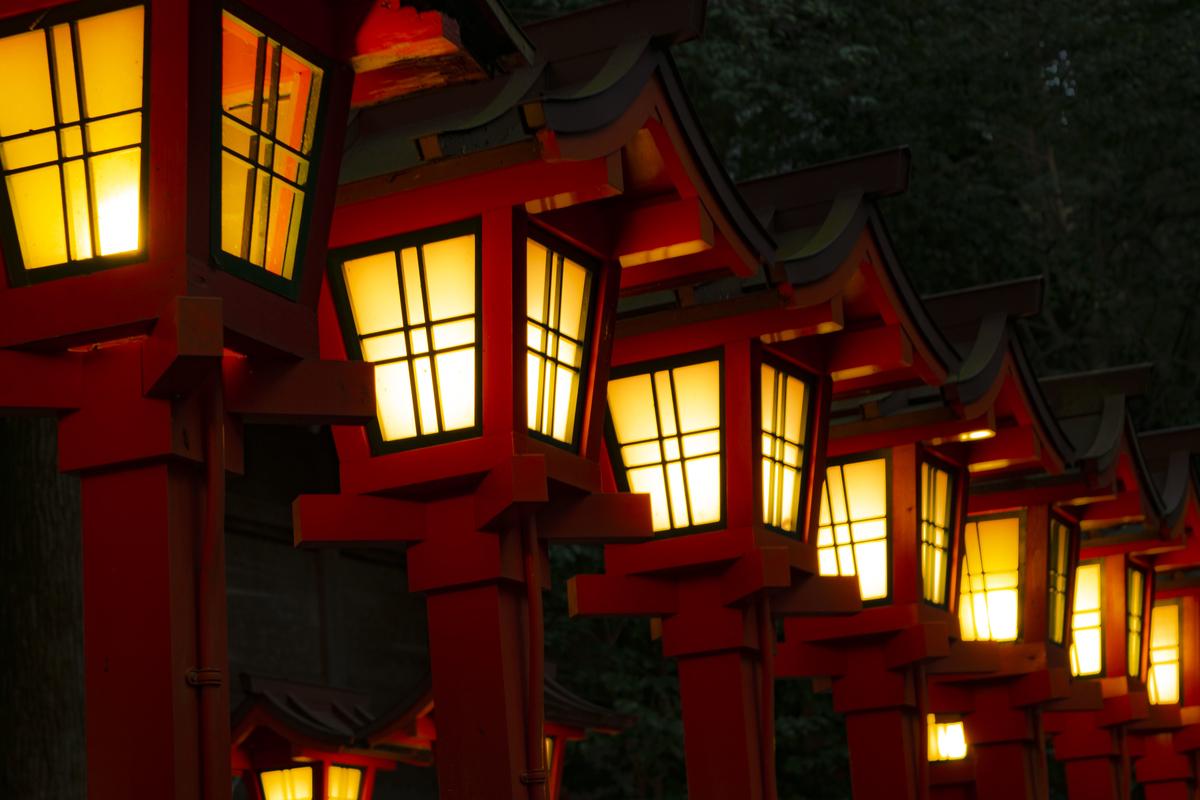 綺麗な灯篭の灯り 2