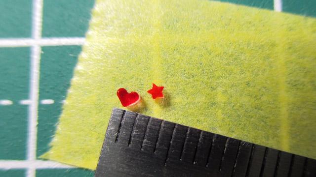 クラフトパンチとフードパック(縮むプラバン)で極小パーツを作る