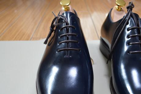 プレーントゥの革靴
