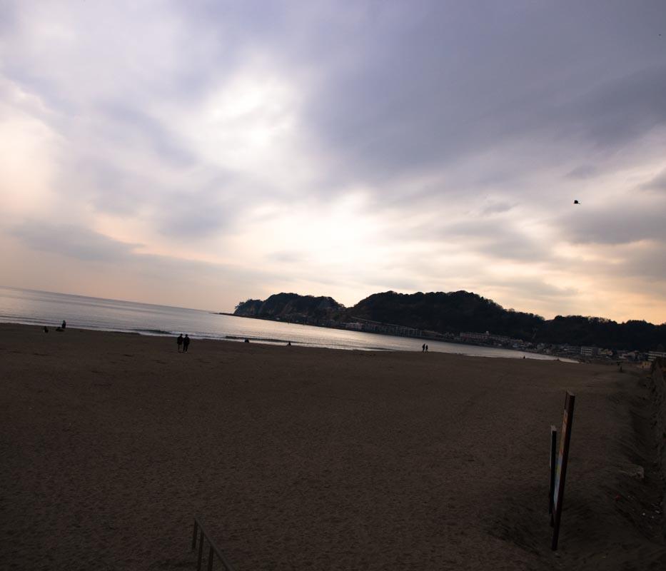 由比ヶ浜とumi cafe(ウミカフェ)