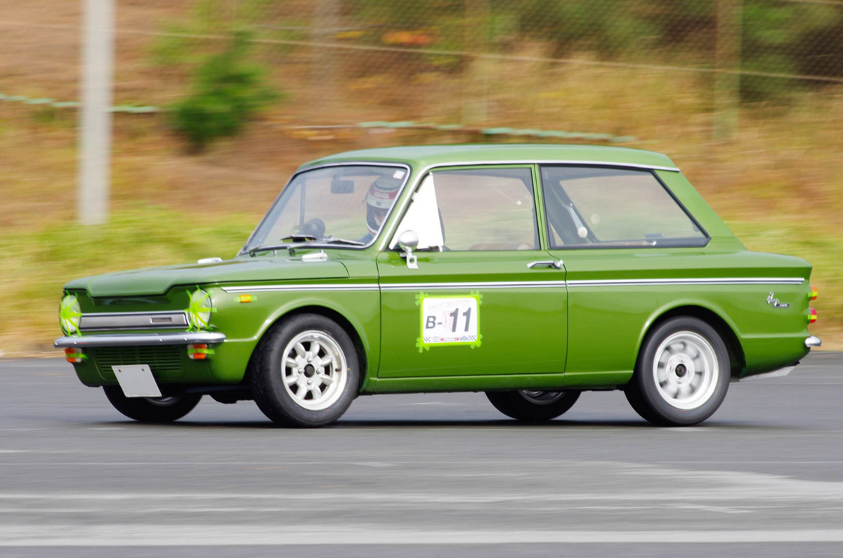 ヒルマン インプ 1960年代のイギリス製小型自動車が(かわいい)