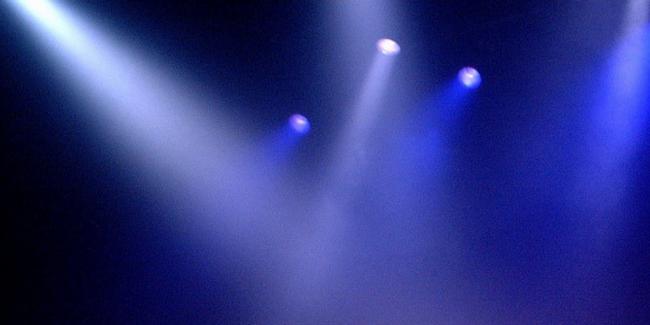 舞台のスポットライト