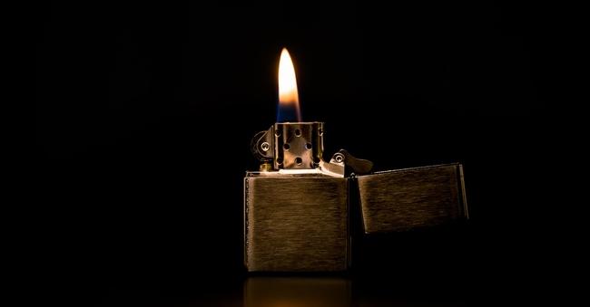 ライターの炎