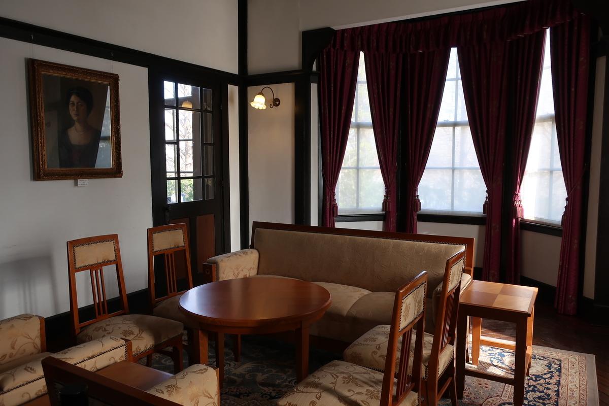 外交官の家内装画像5