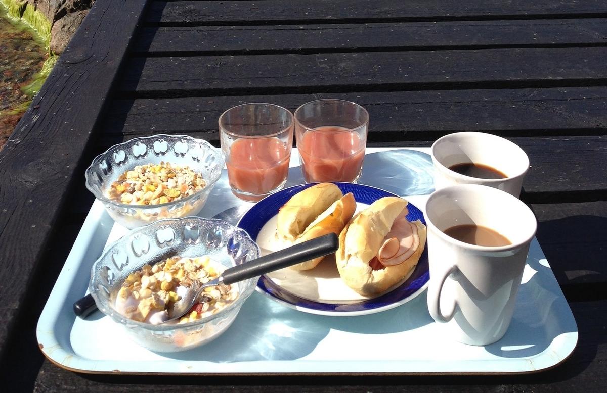 スゥエーデンでは Onaka をこんな風に食べる