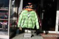 緑のジャンパー