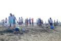 浜降祭の日の砂浜にて