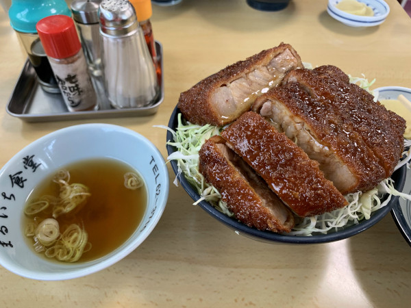 まるいち食堂ソースカツ丼