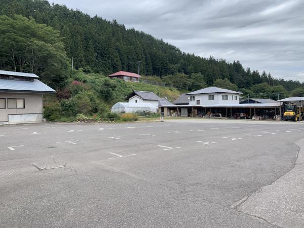 郷の湯 駐車場