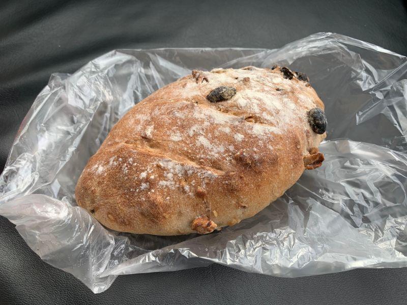 余目製パン ぶどうパン