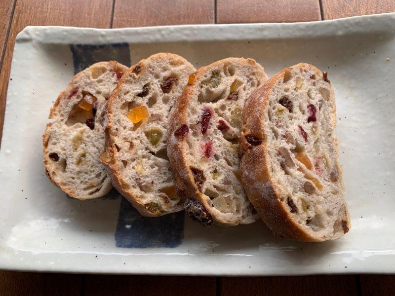 余目製パン 天然酵母のフルールパン