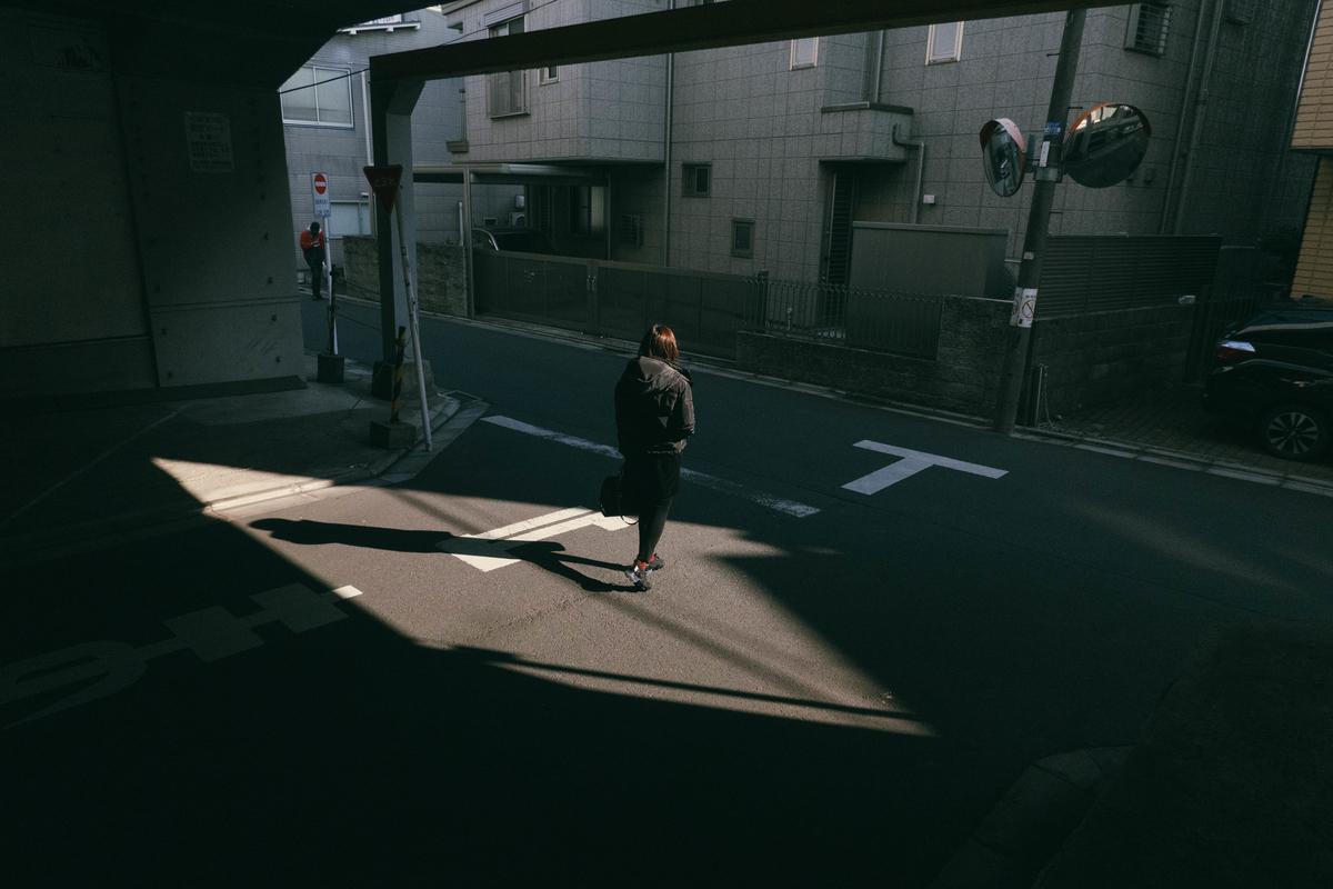 写真:東京の高架下