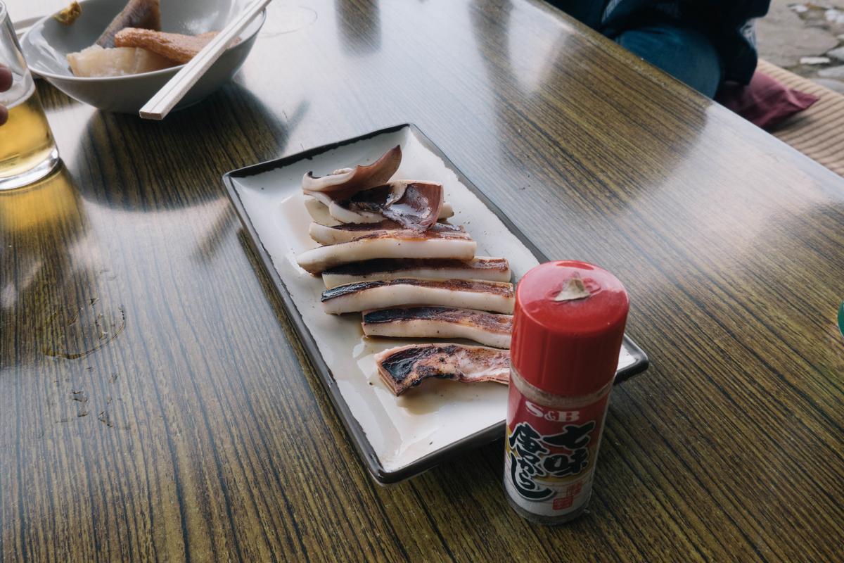 写真:琴ケ瀬茶屋のイカ焼き