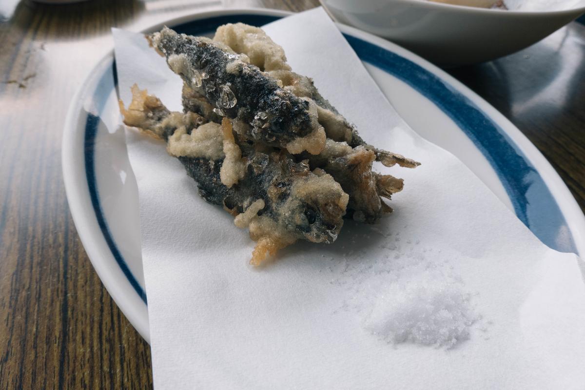 写真:琴ケ瀬茶屋のアマゴの天ぷら