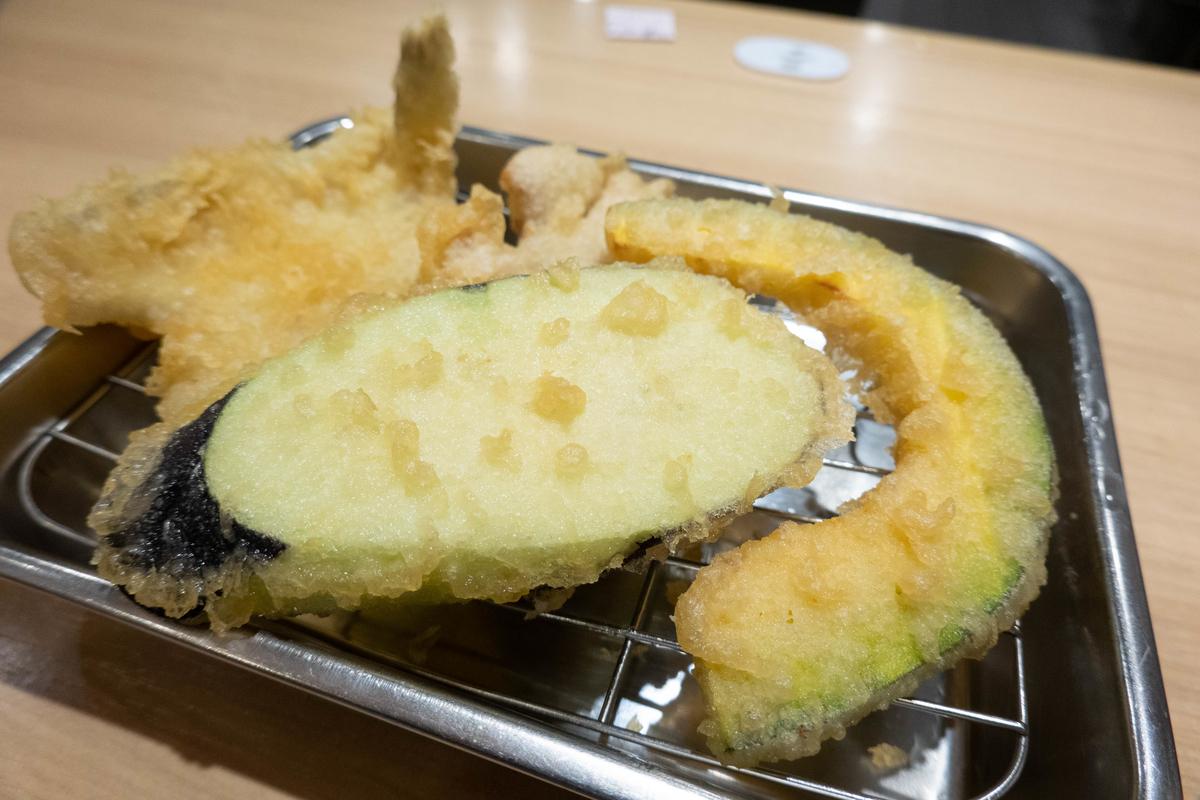 写真:天ぷらのひらおの野菜天