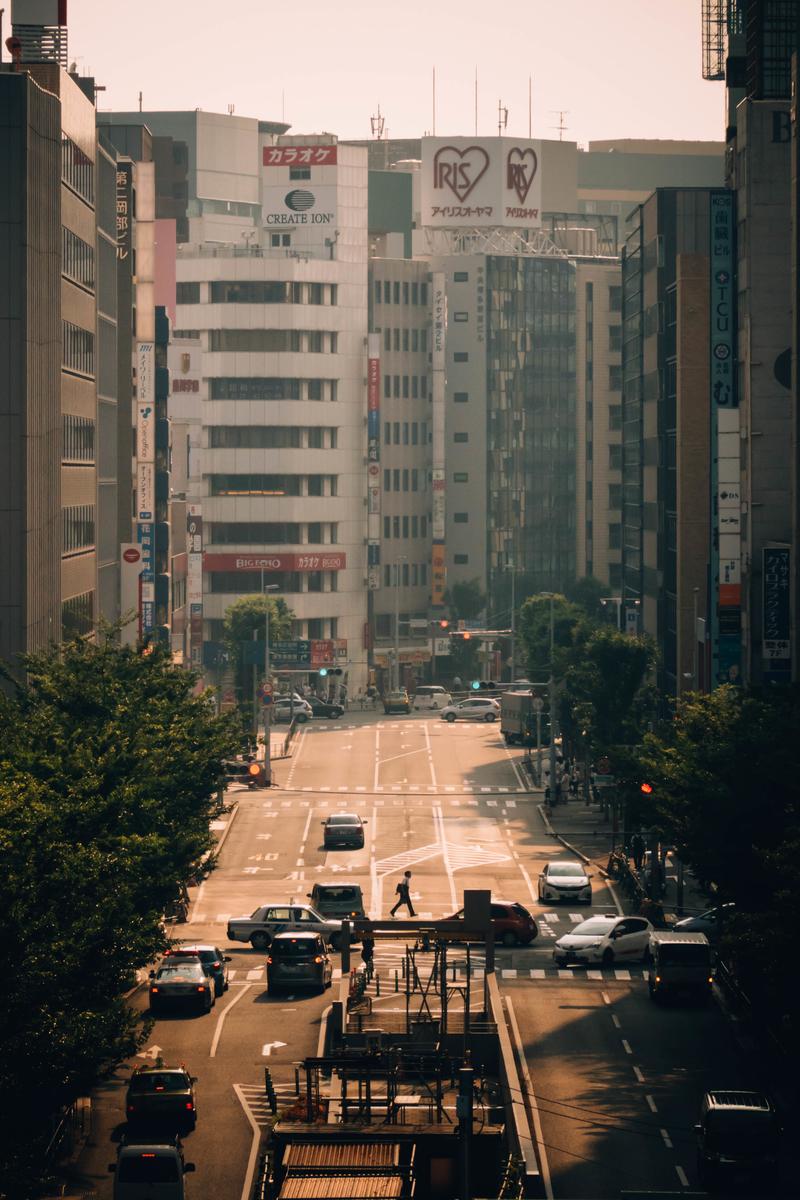 写真:博多駅前の通り