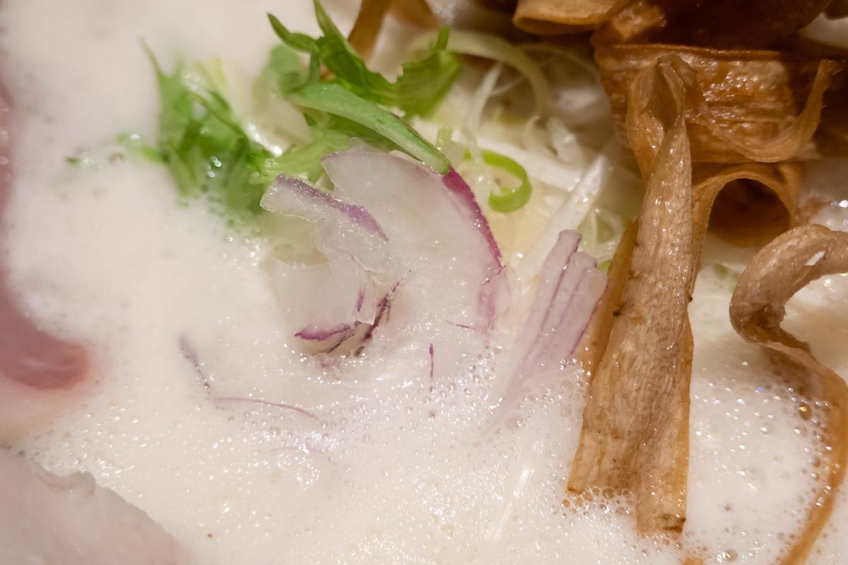 写真・座銀の白濁スープ