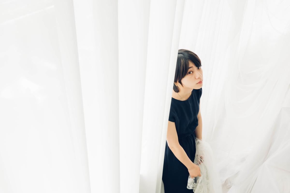 写真:スタジオシエルの白い部屋で撮った写真