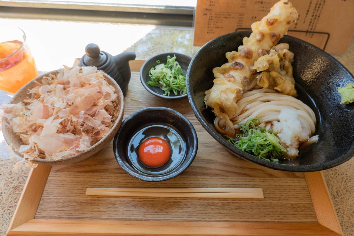 写真:築港麺工房の築港定食