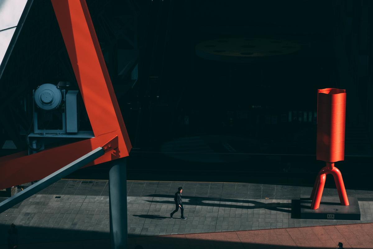 写真:京都駅のモニュメント