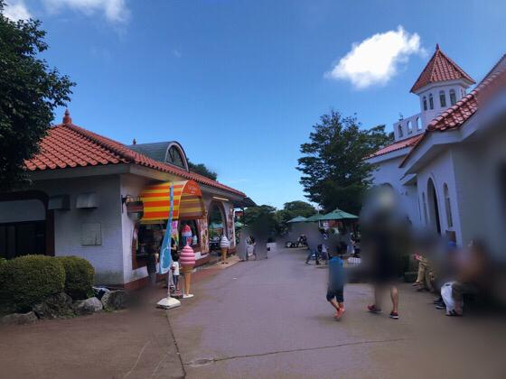シャボテン動物公園のレストランがあるエリア