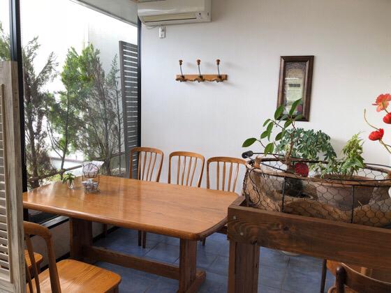 箱根ラッキーズカフェの広めの席