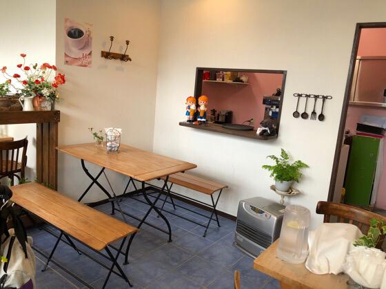 箱根ラッキーズカフェの入り口側の席
